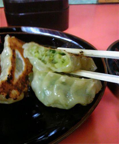 味の横綱餃子切り口.jpg